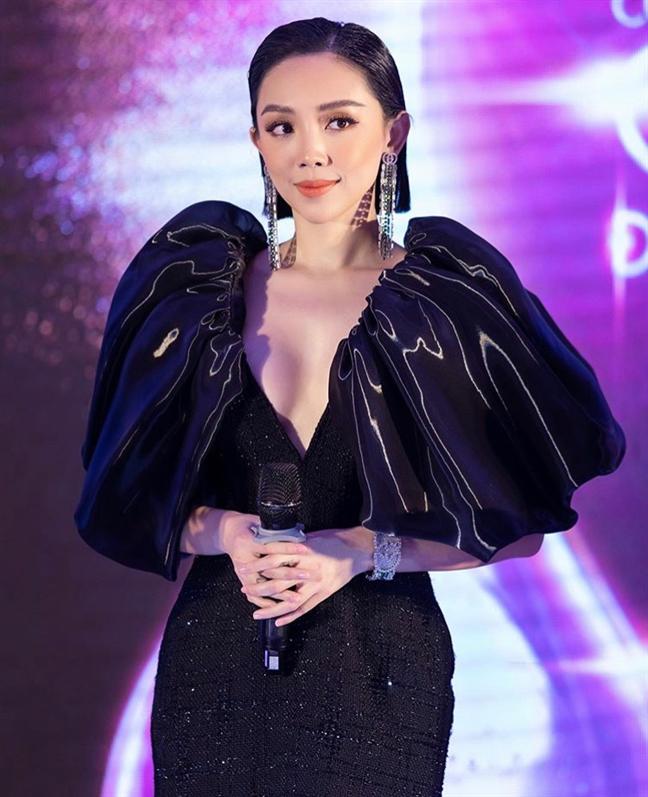 Nha Phuong goi cam nhung 'dung hang' voi my nhan 'Chiec la cuon bay'