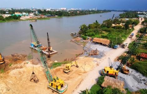 Đại gia ngang nhiên xây hồ bơi, nhà nghỉ lấn chiếm sông Sài Gòn