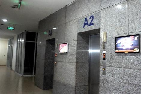 Tạm giữ hình sự kẻ dâm ô bé gái 10 tuổi trong thang máy chung cư ở Hà Nội