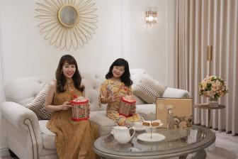 Mẹ con Ốc Thanh Vân, Diệp Chi phấn khích với chiếc hộp bánh trung thu đèn lồng độc đáo