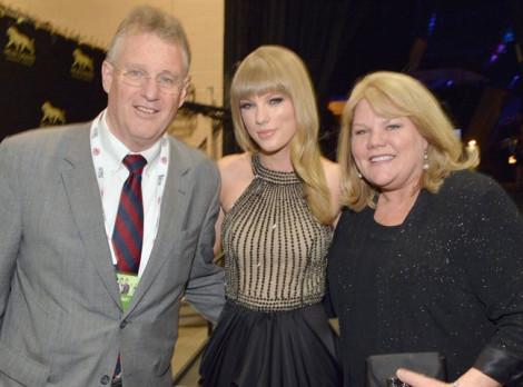 2 nhân vật đặc biệt trong cuộc đời kẻ 'thay người tình như thay áo' Taylor Swift