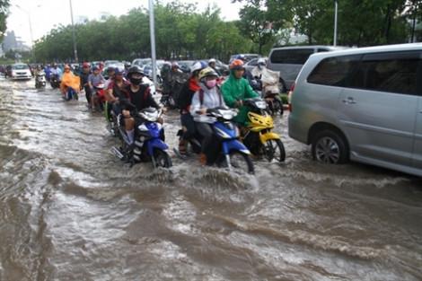 Đường Nguyễn Hữu Cảnh sẽ dựng 'lô cốt' sửa chữa