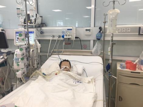 Tự cho con uống thuốc hạ sốt, bé trai 27 tháng tuổi nguy kịch