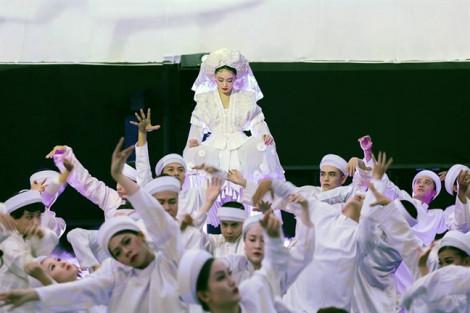 Hoàng Thùy Linh 'báng bổ' thánh thần?