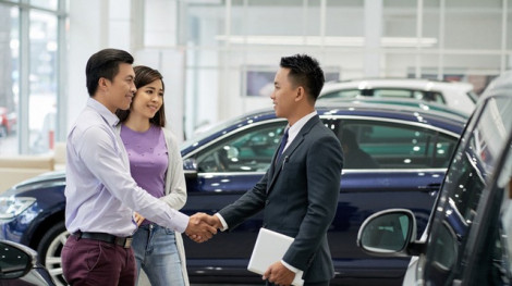 Cuộc sống đảo lộn từ ngày vợ chồng tôi vay tiền mua ô tô