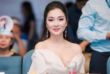 Nhan sắc của hoa hậu Nguyễn Thị Huyền sau 15 năm đăng quang