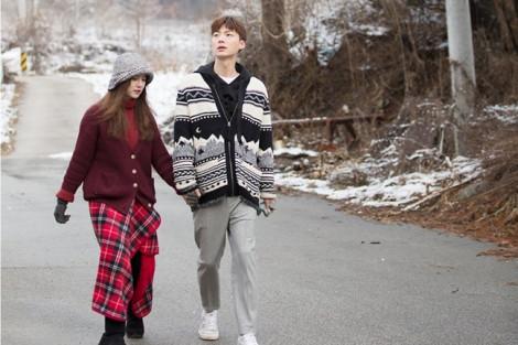 Thời trang ngọt ngào của 'nàng cỏ' Goo Hye Sun và chồng trẻ