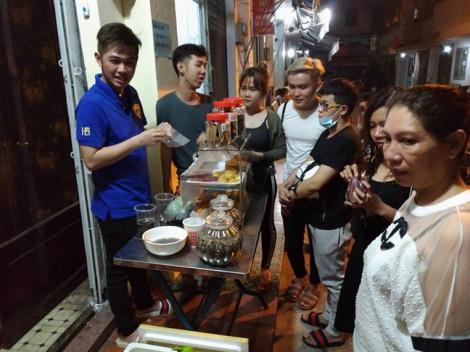 Tự chế nước sâm 'lạ', chàng trai Sài Gòn kiếm gần 20 triệu/ngày, cạnh tranh khách với trà sữa