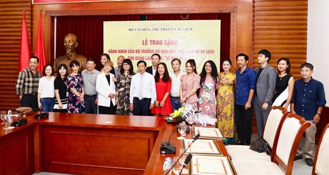 Ban khoan sau mot le tuong thuong
