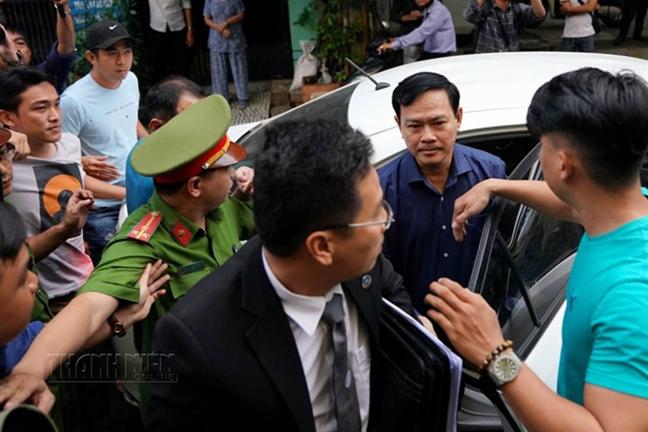 Dang xet xu lan 2 vu an Nguyen Huu Linh dam o tre trong thang may