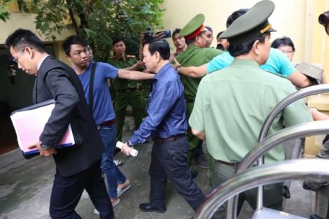 Người đến phiên tòa xử ông Linh 'nựng' đã... thưa dần