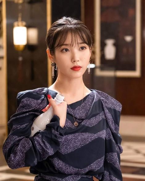 Phong cách thời trang 'cực phẩm' của IU trong phim truyền hình hay nhất Hàn Quốc hiện nay