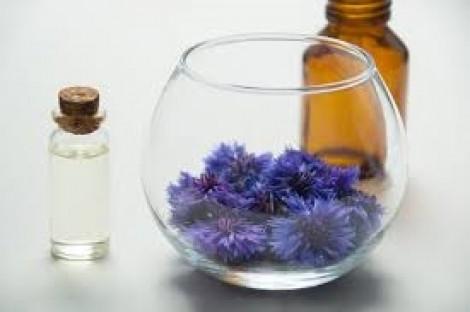 Cấm hàng loạt chất tạo mùi 'kinh điển' trong mỹ phẩm