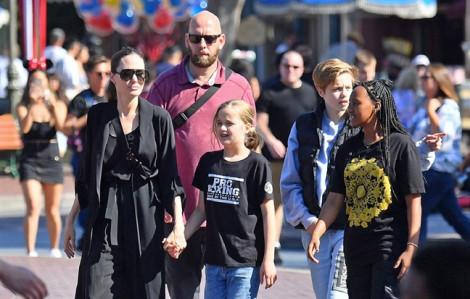 Angelina Jolie đưa cả gia đình đi chơi nhưng vắng Pax Thiên