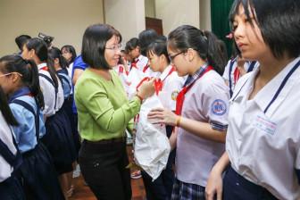Trao học bổng 'Nữ sinh hiếu học, vượt khó' lần thứ 29: Bài học khai thị là lòng biết ơn