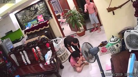 Chuyển tivi không xin phép, nữ nhà báo bế con nhỏ bị chồng võ sư bạo hành dã man