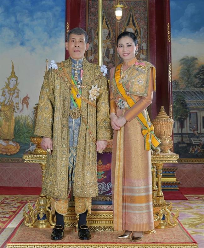 Nhan sac mot chin mot muoi cua hoang hau va hoang quy phi Thai Lan