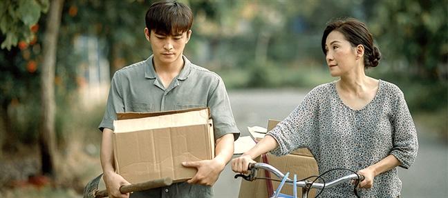 Tu phim 'Thua me con di': Dung tu 'bay' minh bang truyen thong
