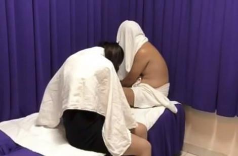 Đột kích tiệm massage 'vui vẻ' chỉ phục vụ khách nước ngoài