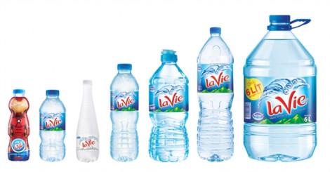 Giảm thiểu rác thải, La Vie ngừng sử dụng màng co trên nắp chai