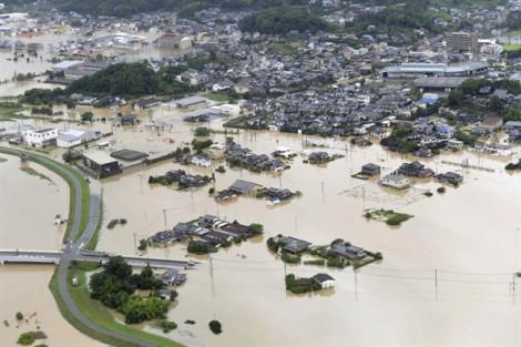 Nhật Bản: 2 người chết, 670.000 người được lệnh sơ tán vì mưa lũ