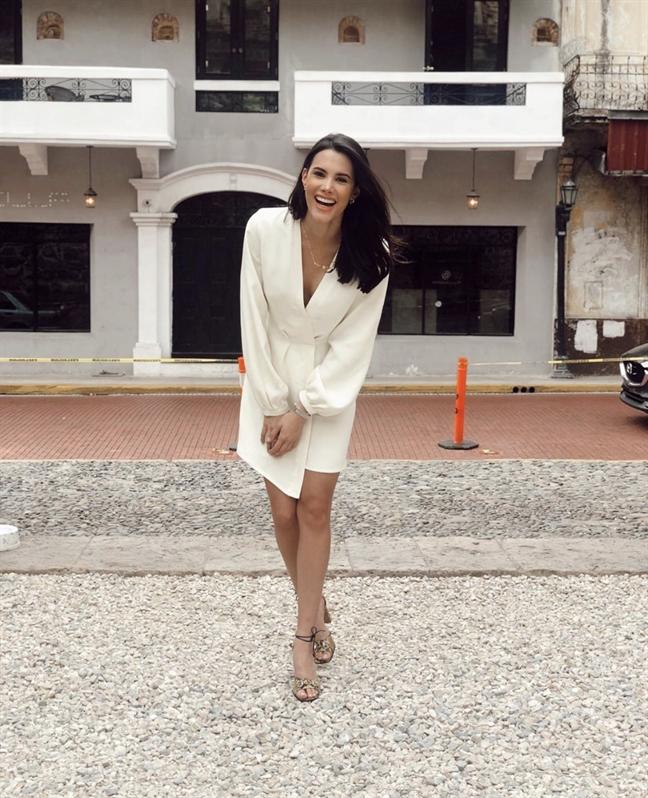 Gu thoi trang day me hoac cua Hoa hau Quoc te 2018 vua den Viet Nam
