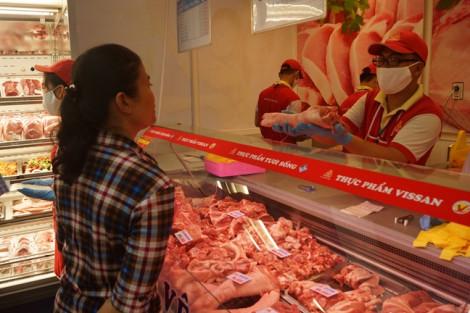 Công đoàn viên được mua thịt, dầu nhớt giảm giá trong một năm