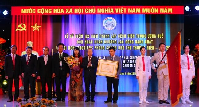 Benh vien Trung uong Hue hoan hi voi 900 ca ghep tang thanh cong
