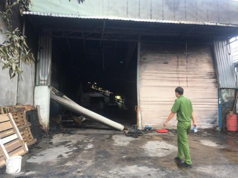 Cháy quán cà phê lan sang kho chứa hàng thiệt hại trên 3 tỉ đồng