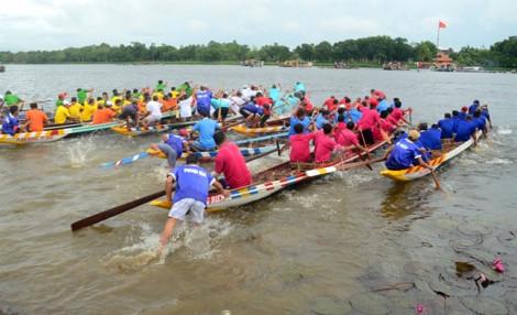 Sông Hương dậy sóng với giải đua thuyền mừng Quốc khánh