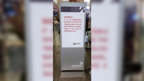 Người đàn ông bị bắt ở sân bay Changi vì mua vé chỉ để tiễn vợ lên máy bay