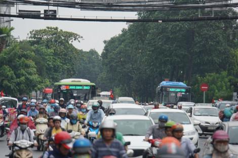 Đường Sài Gòn kẹt cứng trong ngày làm việc đầu tiên sau lễ 2/9