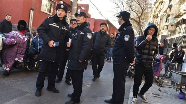 Tam tre em Trung Quoc bi sat hai trong ngay khai truong