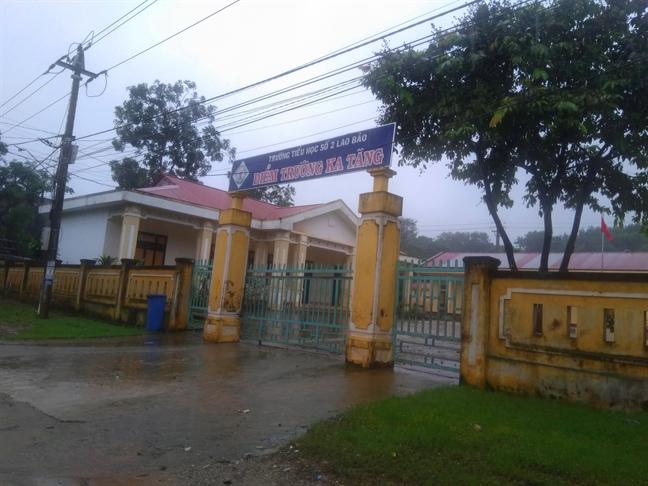 Hon 300 diem truong o Quang Binh, Quang Tri hoan khai giang do lut