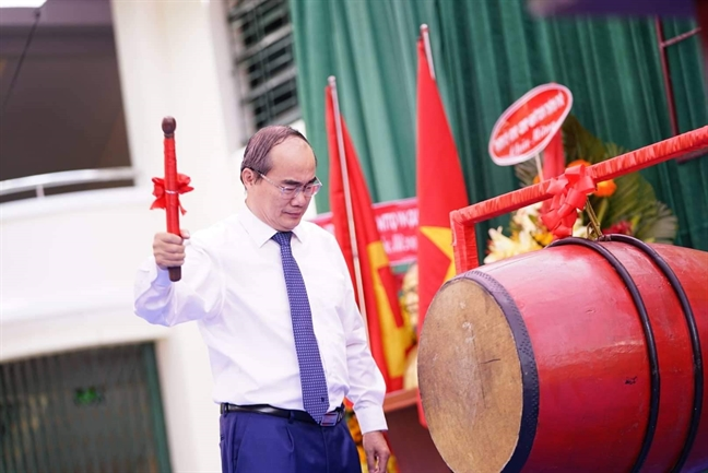Bi thu Thanh uy TP.HCM: Hoc sinh khong chi hoc gioi, phai la nguoi con hieu thao