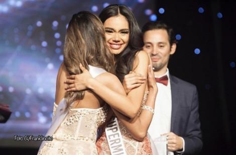 Nhan sắc nữ nhân viên cứu hoả vừa đăng quang Hoa hậu Hoàn vũ Chile 2019