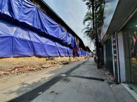 Cháy hơn một tuần, Công ty Rạng Đông mới phủ bạt, dọn dẹp hiện trường