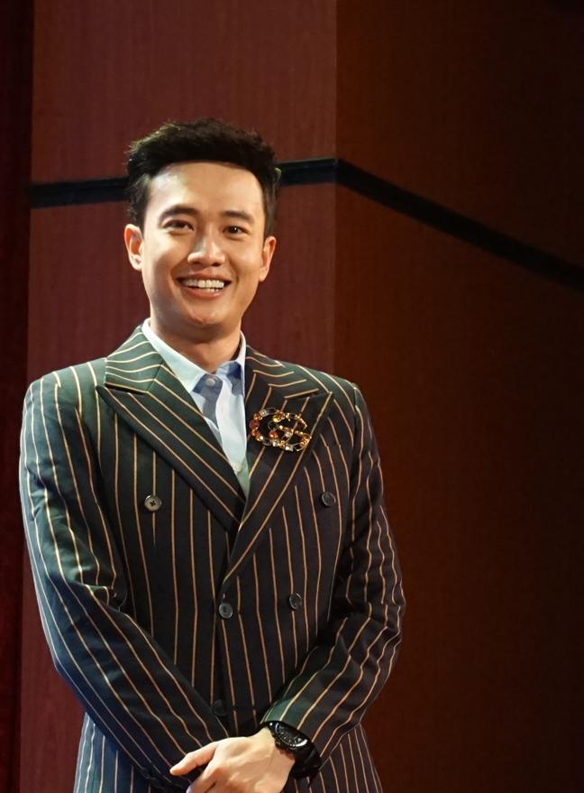 Quoc Truong: So gian va khong ngai cong khai nguoi yeu