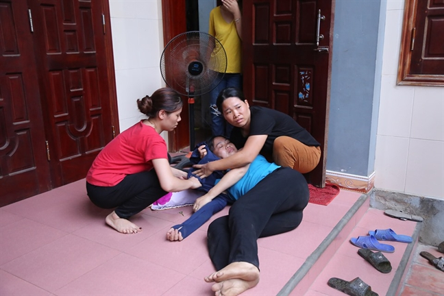 Vu chim tau o Quang Binh: em gai 'soc', tu vong khi nghe tin anh trai gap nan