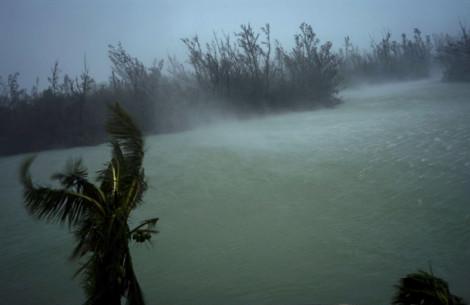 Gián đoạn liên lạc sau bão, người dân Bahamas nhờ mạng xã hội tìm kiếm thân nhân mất tích
