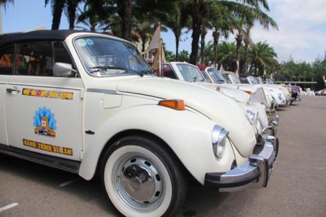 Dàn xe cổ  đắt tiền nhất Việt Nam hội tụ tại phố cổ Hội An