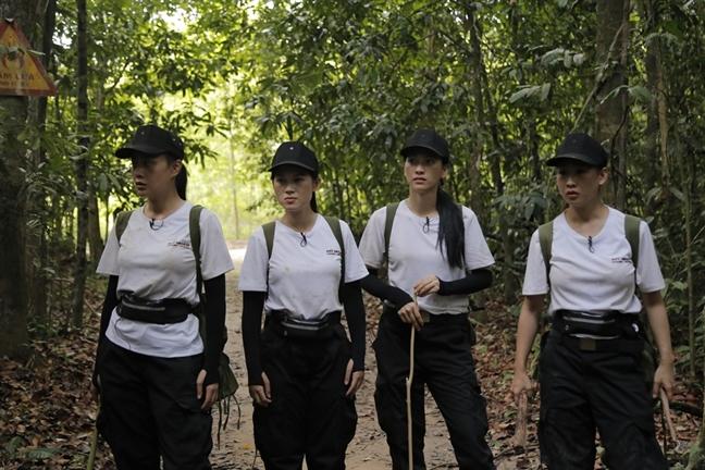 Fan 'phim chien' vi Truong Quynh Anh va Phuong Oanh cai nhau nhu... di cho
