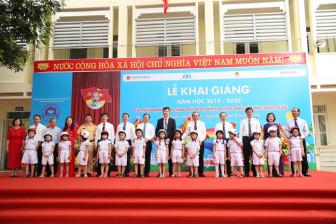 Honda Việt Nam trao tặng mũ bảo hiểm cho học sinh lớp Một toàn quốc năm học 2019-2020