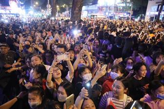 Đám đông gây hỗn loạn xã hội vì thần tượng: Nỗi ám ảnh cần bị triệt tiêu