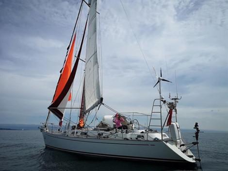 Người phụ nữ 77 tuổi lập kỷ lục một mình lái thuyền vòng quanh thế giới