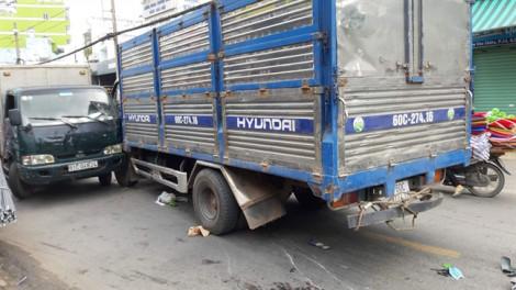 Xe tải gây tai nạn liên hoàn trên phố Sài Gòn, 2 người thương vong