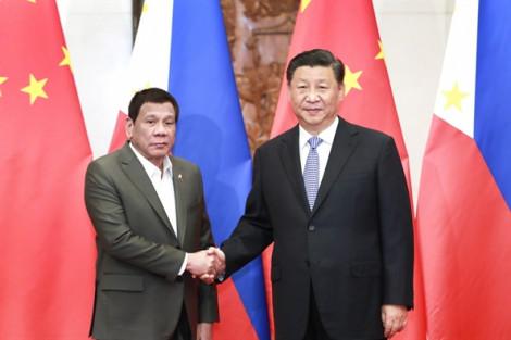 Philippines phớt lờ phán quyết Tòa trọng tài quốc tế để bắt tay với Trung Quốc