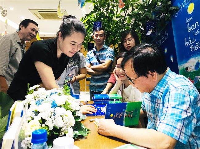 Nha van Nguyen Nhat Anh quyet... 'Lam ban voi bau troi'
