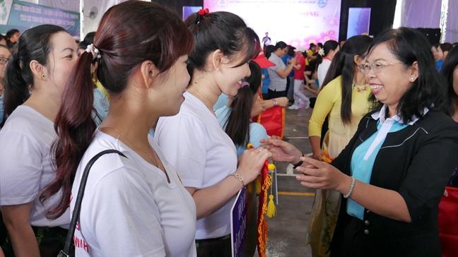 Gan 2.000 nguoi tham gia hoi thao 'Phu nu khoe, dep, nang dong' nam 2019