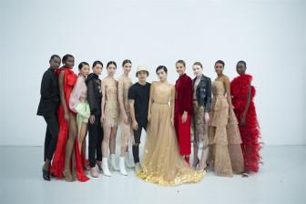 NTK Việt giới thiệu đầm dát vàng tại 'Tuần lễ Thời trang London'